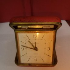 Relojes de carga manual: RELOJ DESPERTADOR DE VIAJE EUROPA FUNCIONANDO CAJA ROJA. Lote 81269460