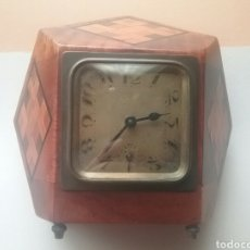 Relojes de carga manual: RELOJ DE SOBREMESA EN MADERA CON MARQUETERÍA, SIGLO XIX.. Lote 81598763
