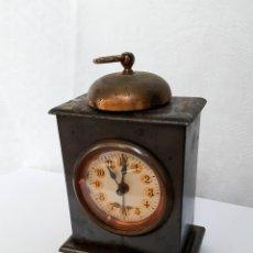 Relojes de carga manual: RELOJ DESPERTADOR DE SOBREMESA. Lote 81862000