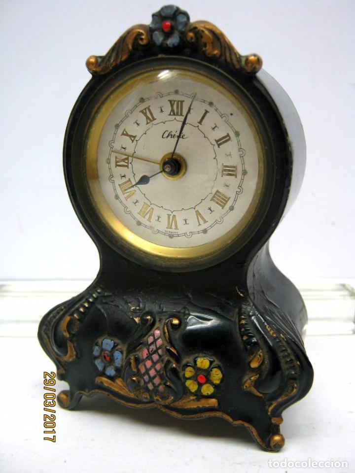 Antiguo reloj musical lacado miniatura aleman comprar - Relojes de sobremesa antiguos ...