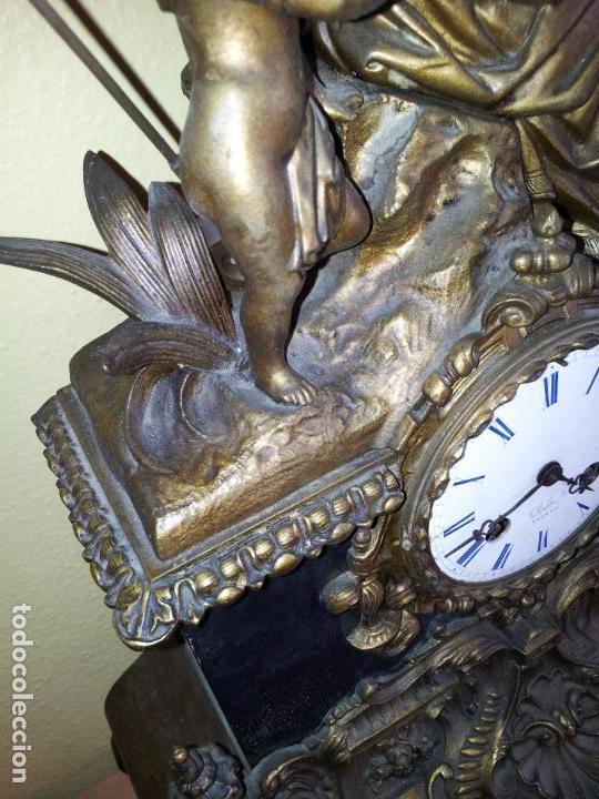 Relojes de carga manual: Reloj frances sobremesa en bronce patinado y marmol ..siglo XIX..CIUDAD DE NEVERS FRANCIA - Foto 3 - 82083716