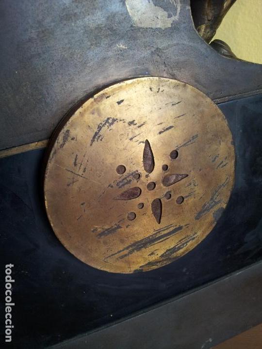Relojes de carga manual: Reloj frances sobremesa en bronce patinado y marmol ..siglo XIX..CIUDAD DE NEVERS FRANCIA - Foto 57 - 82083716