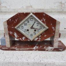 Relojes de carga manual: RELOJ DE CHIMENEA O SOBREMESA ART DECO ANTIGUO EN MARMOL ROJO,AÑOS 20. Lote 82258732