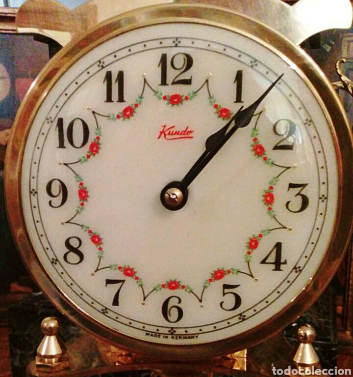 RELOJ KUNDO. DE SOBREMESA. DE 400 DIAS, O ANIVERSARIO. DE CARGA MANUAL Y PENDULO DE TORSION. (Relojes - Sobremesa Carga Manual)