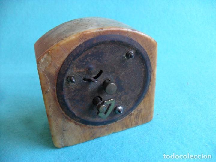 Relojes de carga manual: reloj sobre mesa años 50 publicidad cerveza del cuello dorado,mide 8 cm alto - Foto 4 - 83586528