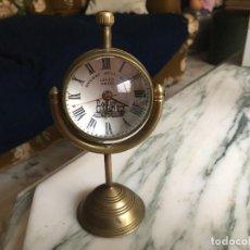 Relojes de carga manual: ANTIGUO RELOJ CON CRISTL BOMBÉ FUNCIONANDO. Lote 83677112