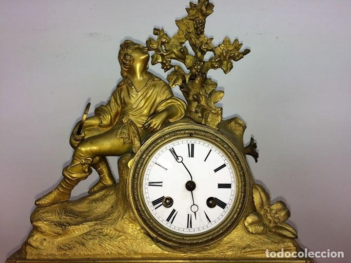 Relojes de carga manual: RELOJ DE REPISA. BRONCE DORADO. ESTILO NAPOLEÓN III. FRANCIA(?). CIRCA 1850 - Foto 2 - 84719384