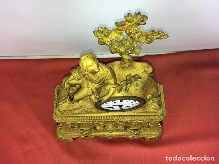 Relojes de carga manual: RELOJ DE REPISA. BRONCE DORADO. ESTILO NAPOLEÓN III. FRANCIA(?). CIRCA 1850 - Foto 7 - 84719384
