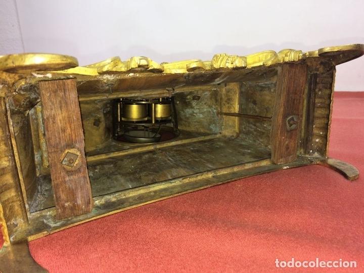 Relojes de carga manual: RELOJ DE REPISA. BRONCE DORADO. ESTILO NAPOLEÓN III. FRANCIA(?). CIRCA 1850 - Foto 10 - 84719384