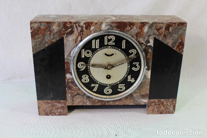 RELOJ ART DECO EN MARMOL CON MAQUINARIA DE CUERDA (Relojes - Sobremesa Carga Manual)