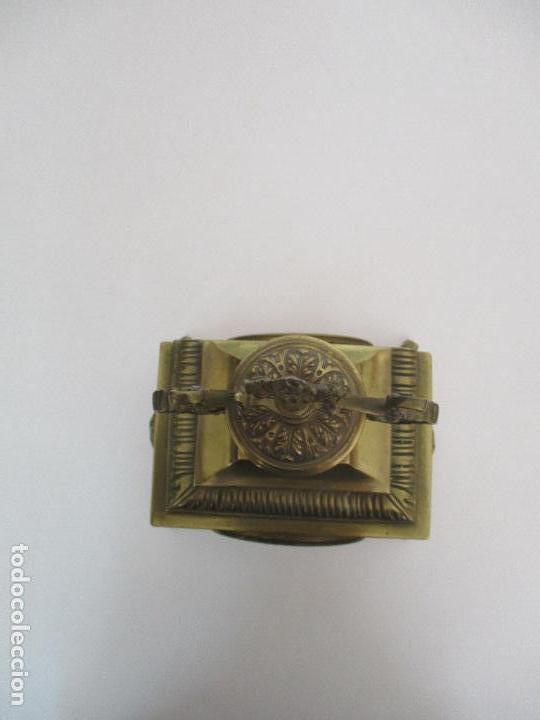 Relojes de carga manual: Antiguo Reloj de Sobremesa - con Guarnición Candelabros - Bronce - Napoleón III - Completo -Funciona - Foto 4 - 87195416