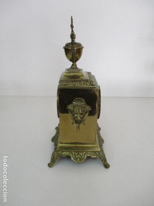 Relojes de carga manual: Antiguo Reloj de Sobremesa - con Guarnición Candelabros - Bronce - Napoleón III - Completo -Funciona - Foto 5 - 87195416