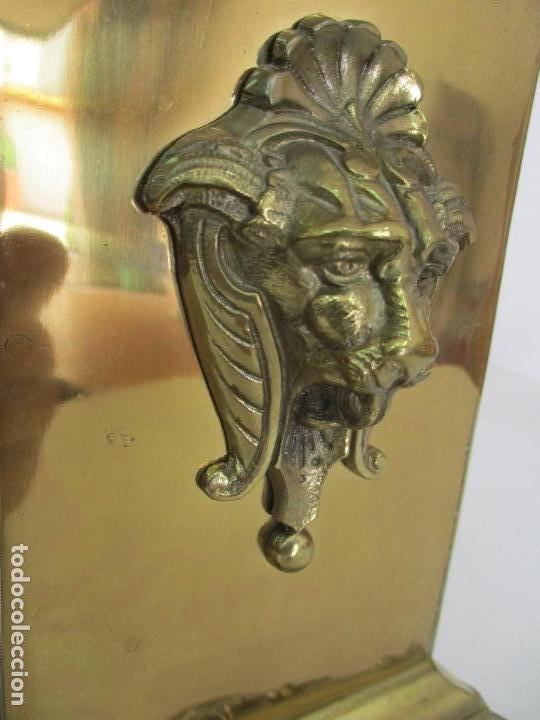 Relojes de carga manual: Antiguo Reloj de Sobremesa - con Guarnición Candelabros - Bronce - Napoleón III - Completo -Funciona - Foto 7 - 87195416