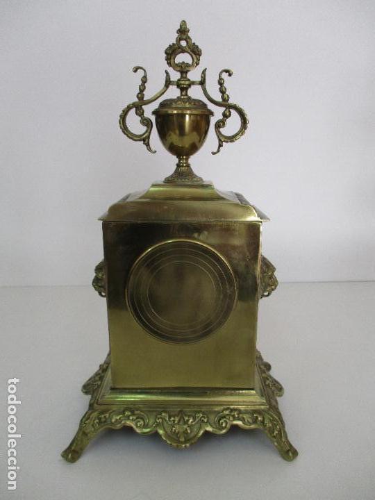 Relojes de carga manual: Antiguo Reloj de Sobremesa - con Guarnición Candelabros - Bronce - Napoleón III - Completo -Funciona - Foto 10 - 87195416