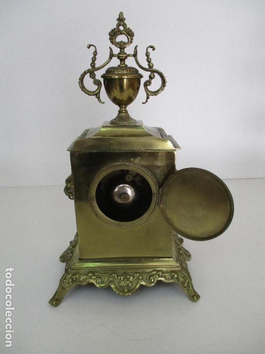 Relojes de carga manual: Antiguo Reloj de Sobremesa - con Guarnición Candelabros - Bronce - Napoleón III - Completo -Funciona - Foto 11 - 87195416