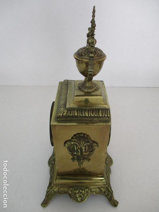 Relojes de carga manual: Antiguo Reloj de Sobremesa - con Guarnición Candelabros - Bronce - Napoleón III - Completo -Funciona - Foto 14 - 87195416