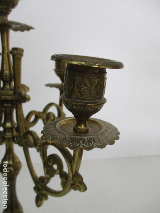 Relojes de carga manual: Antiguo Reloj de Sobremesa - con Guarnición Candelabros - Bronce - Napoleón III - Completo -Funciona - Foto 21 - 87195416
