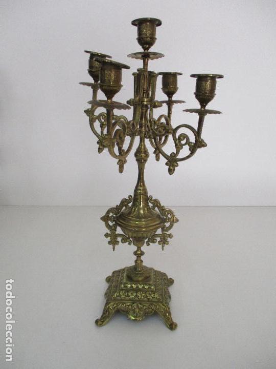 Relojes de carga manual: Antiguo Reloj de Sobremesa - con Guarnición Candelabros - Bronce - Napoleón III - Completo -Funciona - Foto 25 - 87195416