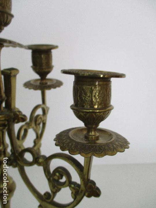 Relojes de carga manual: Antiguo Reloj de Sobremesa - con Guarnición Candelabros - Bronce - Napoleón III - Completo -Funciona - Foto 28 - 87195416