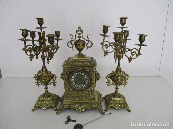 Relojes de carga manual: Antiguo Reloj de Sobremesa - con Guarnición Candelabros - Bronce - Napoleón III - Completo -Funciona - Foto 36 - 87195416