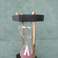 Relojes de carga manual: RELOJ DE ARENA DE LATÓN Y MADERA 3 MINUTOS. Lote 98655916