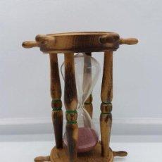 Orologi di carica manuale: ANTIGUO Y ORIGINAL RELOJ DE ARENA EN MADERA TALLADA CON TIMONES DE BARCO EN MINIATURA.. Lote 89629672