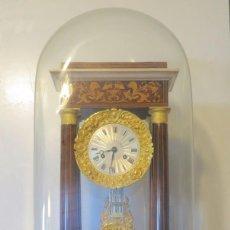 Relojes de carga manual: RELOJ PARIS COLUMNAS MARQUETERIA MADERAS NOBLES Y BRONCE CON PEANA - IMPECABLE. Lote 92903945