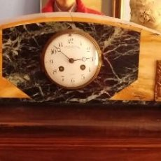 Relojes de carga manual: RELOJ DE CHIMENEA ART DECÒ CON GUARNICIÓN. Lote 93039645
