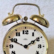 Relojes de carga manual: DESPERTADOR CAMPANAS PRIM MOVIMIENTO MECÁNICO - CHECOSLOVAQUIA - ÍNTEGRO EN LATÓN - CIRCA 1950. Lote 94365726