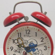 Relojes de carga manual: ANTIGUO RELOJ DESPERTADOR DE LOS PITUFOS, THE SMURFS, PEYO, SCHLUMPF PUFF. Lote 95945395