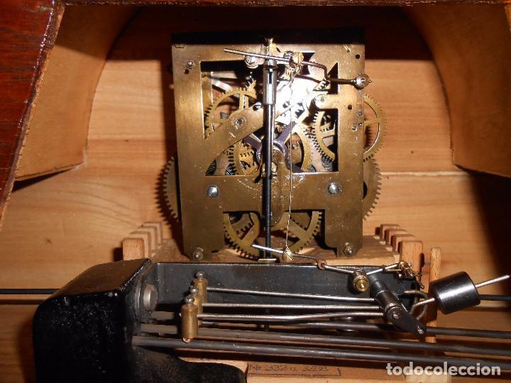 Relojes de carga manual: RELOJ DE SOBREMESA CON RARO PÉNDULO DE UNA VARILLA CON CONTRAPESOS. - Foto 16 - 97444207