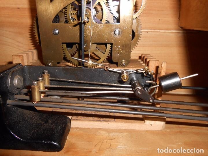 Relojes de carga manual: RELOJ DE SOBREMESA CON RARO PÉNDULO DE UNA VARILLA CON CONTRAPESOS. - Foto 17 - 97444207