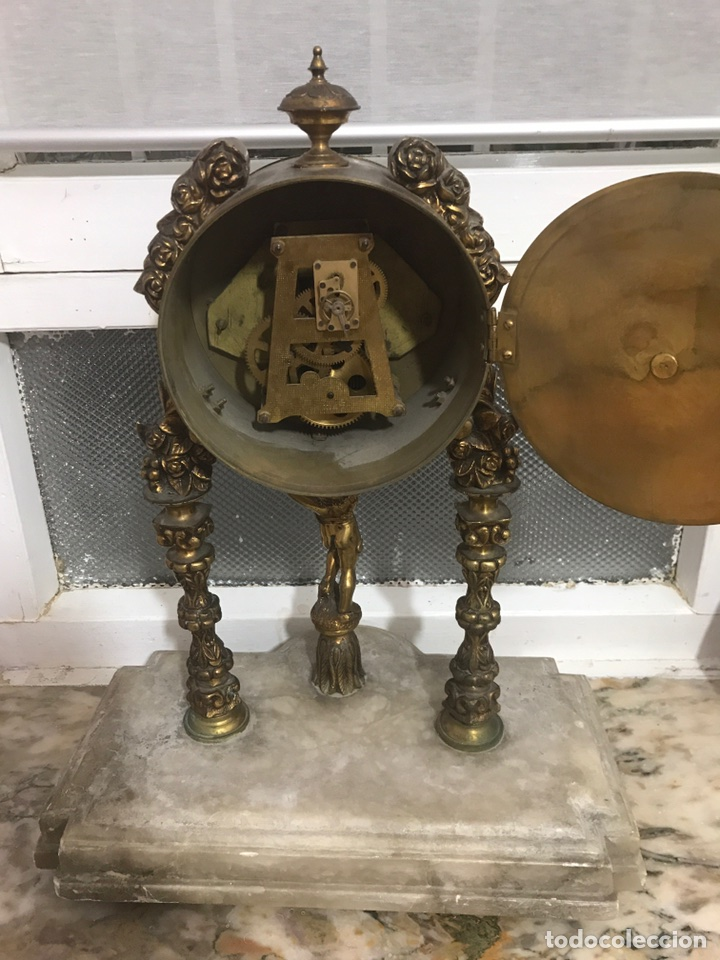Relojes de carga manual: Reloj de bronce con base de mármol para arreglar - Foto 2 - 97804207
