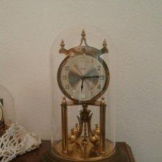 Relojes de carga manual: ANTIGUO RELOJ MESA MECÁNICO ALEMÁN DE CUERDA QUE DURA 400 DÍAS AÑOS 40 - 50 MARCA KUNDO Y FUNCIONA. Lote 98086299