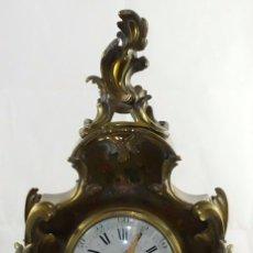 Relojes de carga manual: ANTIGUO RELOJ ROCOCO FRANCES. MADERA PINTADA A MANO Y BRONCE DORADO. SIGLO XIX.. Lote 99737691