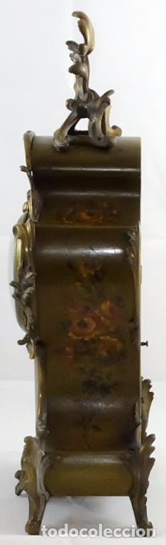 Relojes de carga manual: ANTIGUO RELOJ ROCOCO FRANCES. MADERA PINTADA A MANO Y BRONCE DORADO. SIGLO XIX. - Foto 2 - 99737691