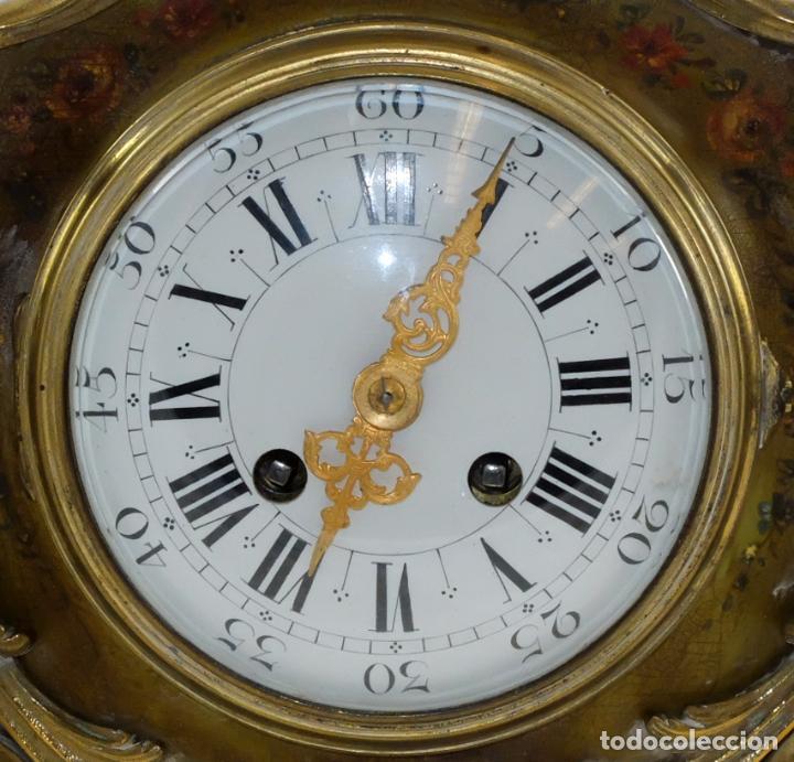 Relojes de carga manual: ANTIGUO RELOJ ROCOCO FRANCES. MADERA PINTADA A MANO Y BRONCE DORADO. SIGLO XIX. - Foto 12 - 99737691