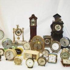 Relojes de carga manual: MEGA BESTIAL LOTE RELOJES ANTIGUOS DE MESA Y ALGO PARED A CUERDA , RELOJ ANTIGUO VINTAGE. Lote 100171995
