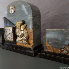Relojes de carga manual - Guarnición de chimenea art Deco en mármol y bronce - 102354420