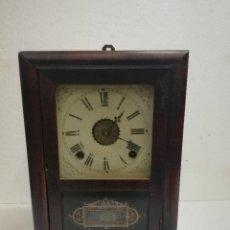 Relojes de carga manual: RELOJ DE MADERA ANTIGUO. Lote 102685763