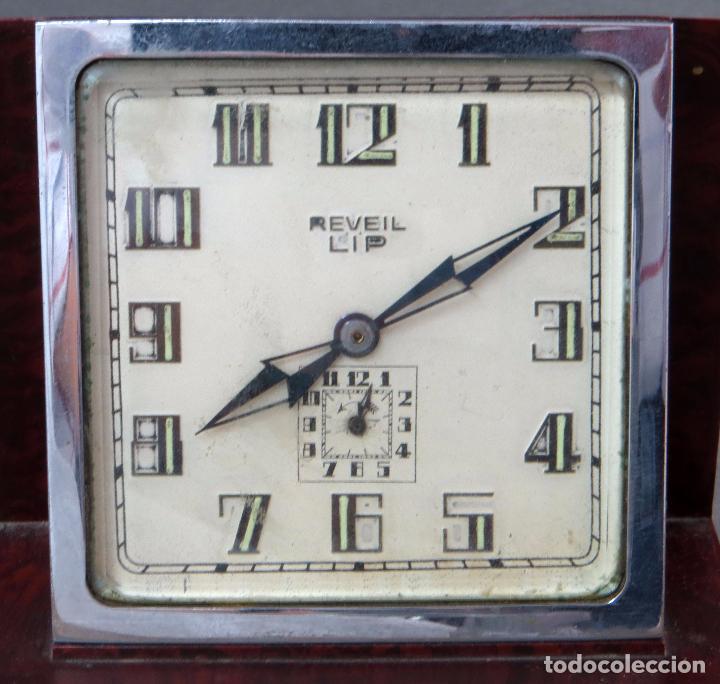 Relojes de carga manual: Reloj de baquelita Reveil Lip 483 años 50 - Foto 2 - 102794935