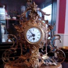 Relojes de carga manual: RELOJ DE SOBREMESA CON BASE DE ONIX - ALTURA 36 CM.. Lote 103892931