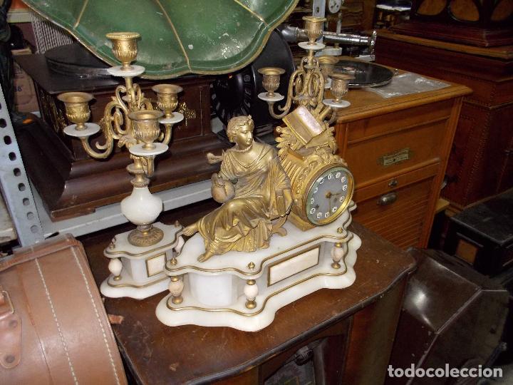 Relojes de carga manual: Reloj de sobremesa con candelabros - Foto 2 - 104961723