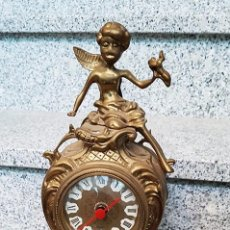 Relojes de carga manual: RELOJ DE SOBREMESA DE BRONCE O LATÓN. RELOJ DE CUARZO. TAMAÑO 22X35 CM. Lote 105557251