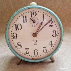 Horloges à remontage manuel: ANTIGUO RELOJ MANUAL SOBREMESA FUNCIONA MARCA JAZ A CUERDA AZUL TURQUESA. Lote 107846539