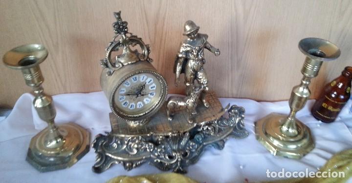 Relojes de carga manual: Reloj de sobre-mesa en bronce + pareja de candelabros a juego - Foto 2 - 110493315