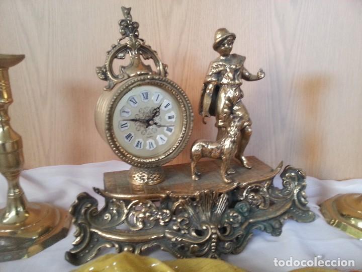 Relojes de carga manual: Reloj de sobre-mesa en bronce + pareja de candelabros a juego - Foto 3 - 110493315
