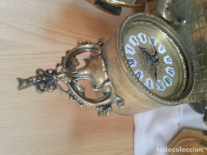 Relojes de carga manual: Reloj de sobre-mesa en bronce + pareja de candelabros a juego - Foto 9 - 110493315