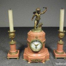 Relojes de carga manual: RELOJ Y CANDELABROS MARMOL Y BRONCE ESTILO FRANCES SIGLO XIX. Lote 111409175