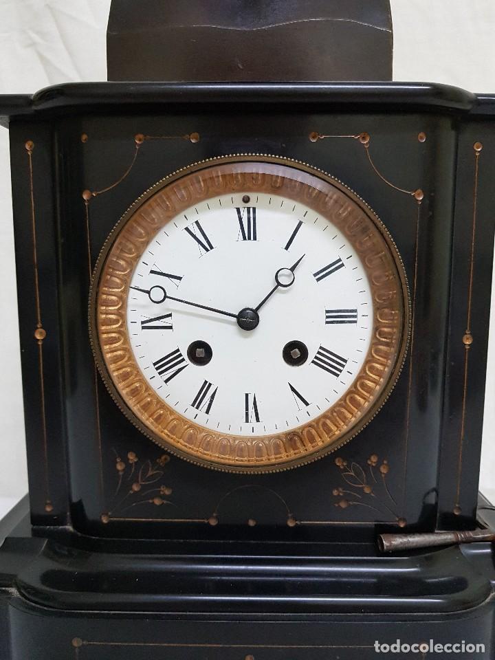 Relojes de carga manual: Reloj con peana de mármol y estatua de Hipócrates en bronce. Siglo XIX - Foto 4 - 111543371